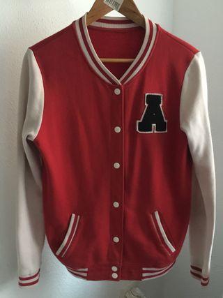 Chaqueta roja estilo americano