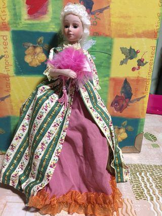 Muñeca de porcelana de epoca,