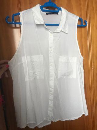 Blusa blanca con abertura espalda