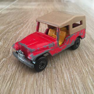 Jeep rojo de Matchbox