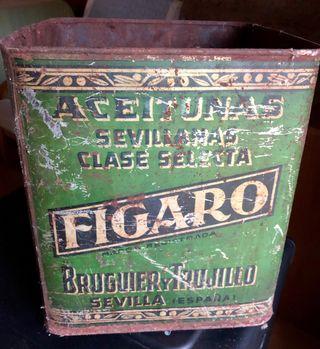 Lata antigua de aceitunas Fígaro