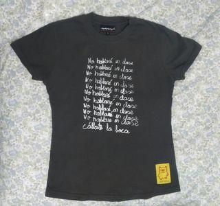 """Camiseta """"Callate la boca"""". Talla M"""