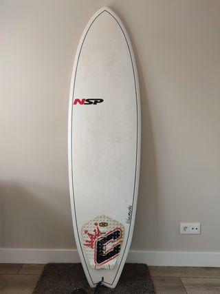 Tabla de surf + traje de neopreno