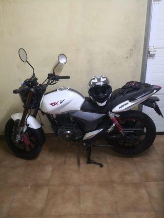 Se vende keeway rkv 125cc del 2013