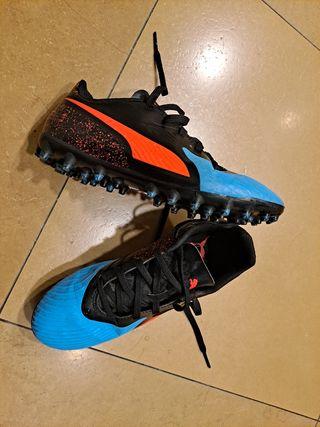 botas fútbol tacones
