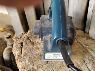 cepillo eléctrico madera