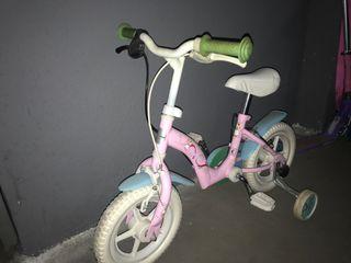 Bicicleta niña pequeña