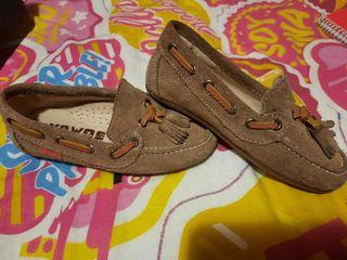 Preciosos zapatos vestir 25