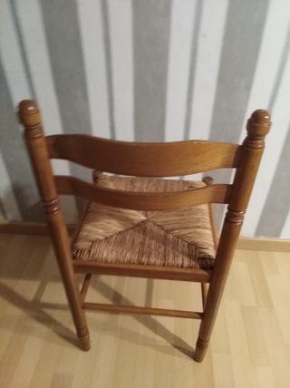 Lote de 4 sillas de mimbre