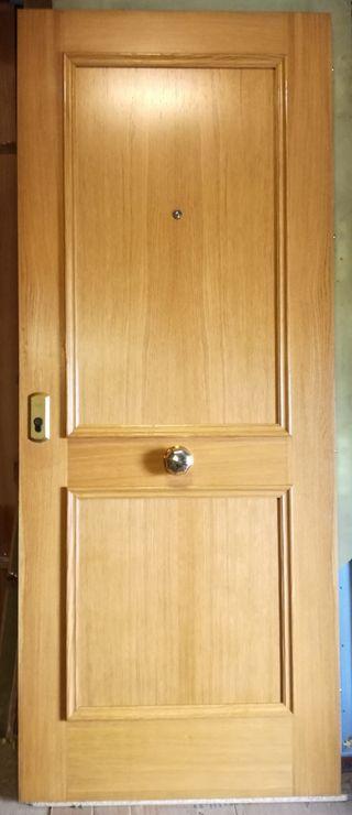 Puerta blindada de entrada