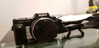 se vende cámara fotográfica SONY