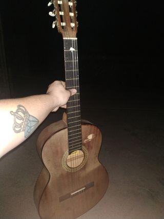 Guitarra Alcántara