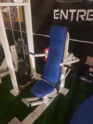 máquina triceps