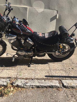 Moto Yamaha Virago 535