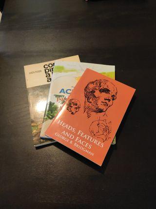 libros variados de dibujo y acuarela