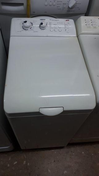 Lavadora de carga superior zanussi