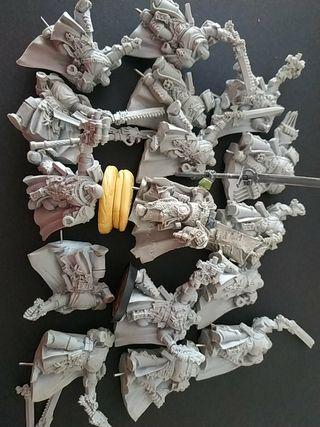 Warhammer 16 miniaturas