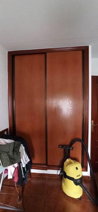 Puerta corredera armario