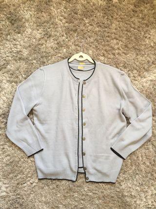 Conjunto chaqueta y camiseta azul claro