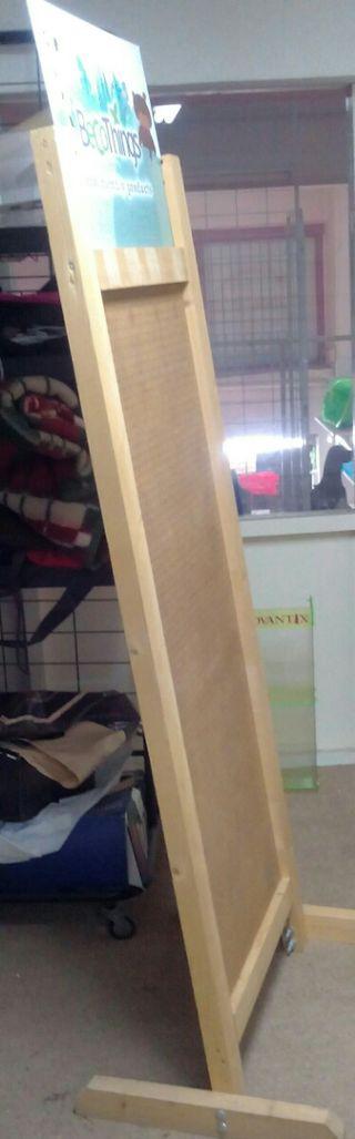 expositor madera para tienda