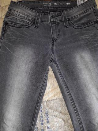 Pantalón vaquero negro levis