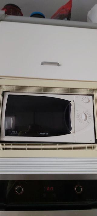 Horno microondas SAMSUNG 800 W