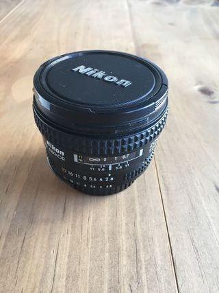 Objetivo Nikon AF Nikkor 20mm 2.8 D