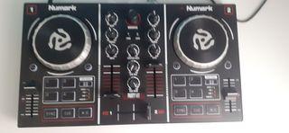 Mesa de mezclas Numark party mix.