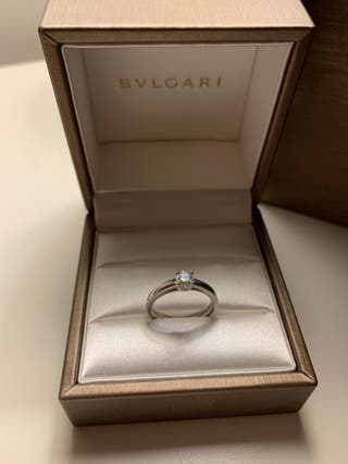 Anillo de diamante Bulgari