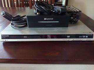 reproductor DVD y disco duro memoria.