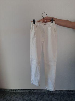 Pantalon levis 25€