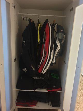 armario blanco Ikea como nuevo