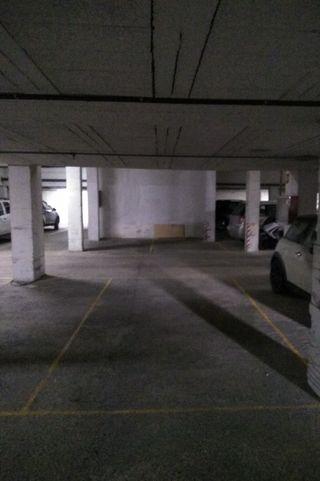 Garaje en alquiler, en Vistazul. Fácil entrada y salida, puerta automática. Posibilidad de alquilar motos, mínimo dos