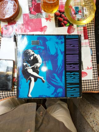 GUNS N'ROSES...USE YOUR ILLUSION II