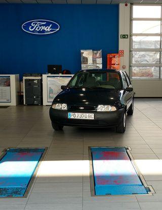 FORD Fiesta 1.3i Gasolina 60 CV