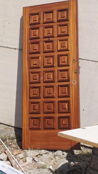 puerta calle exterior