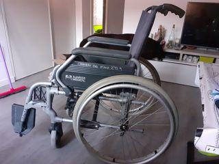 silla de ruedas. buena marca.