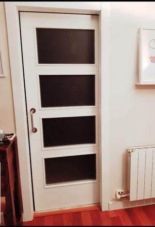 puerta corredera lacada maciza