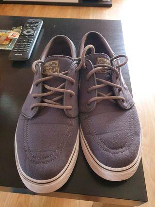 zapatillas Nike janoski grises
