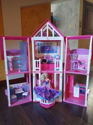Casa de Barbie con 2 muñecas Barbie