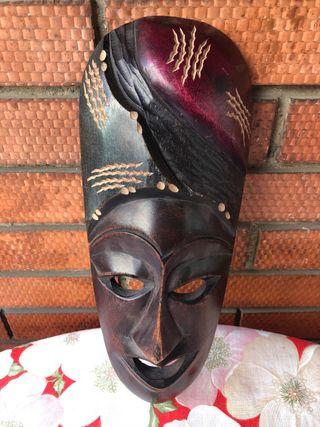 Máscara africana de pared