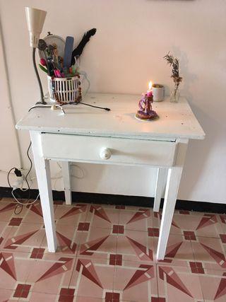 Mesita madera pintada blanco