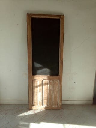 puerta antigua pizarra