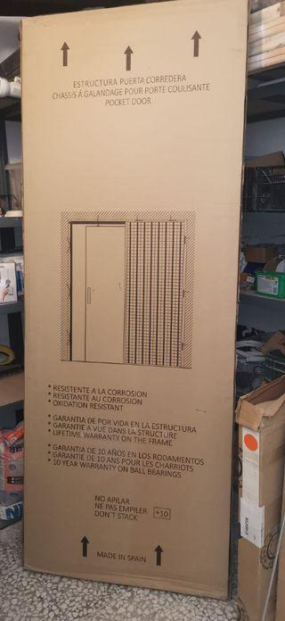 puerta corredera invisible