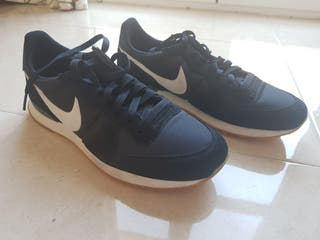 NIKE INTERNATIONALIST HOMBRE 42.5