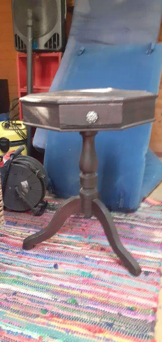 antigua mesilla mallorquina con cajón