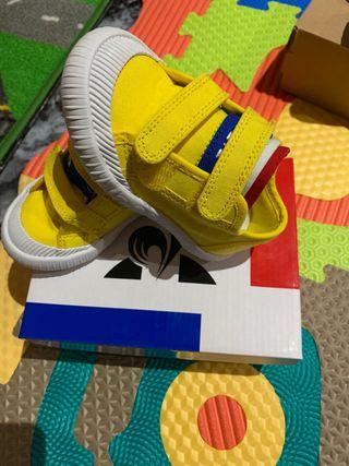Zapatillas para niños número 22