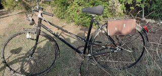 Bicicletas antiguas. Escucho ofertas.