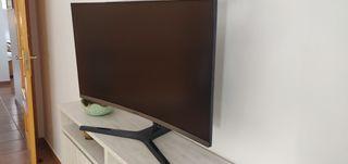 Samsung Monitor 27 pulgadas FullHd Curved