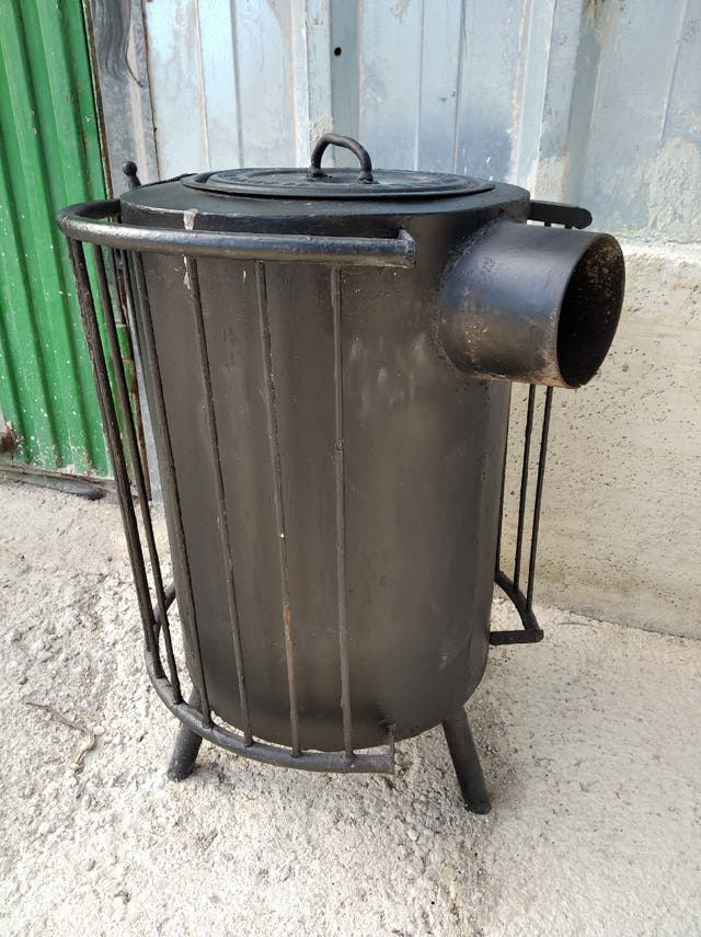 Estufa de leña de hierro